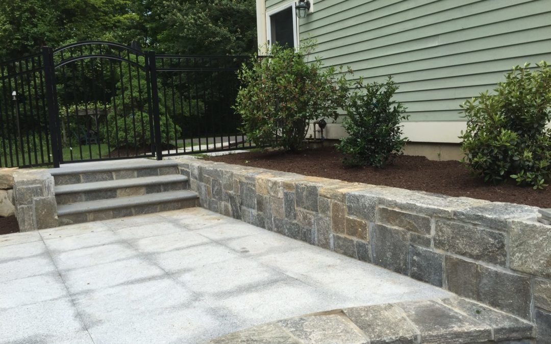 Milford, CT – Retaining Walls | Stone Block Walls | Stone Wall Masonry Contractor Near Me